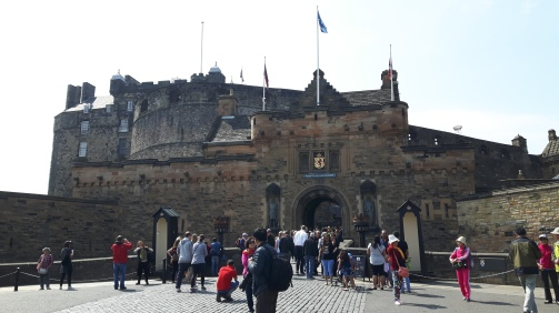 The Edinburgh castle, the largest tourist attraction.